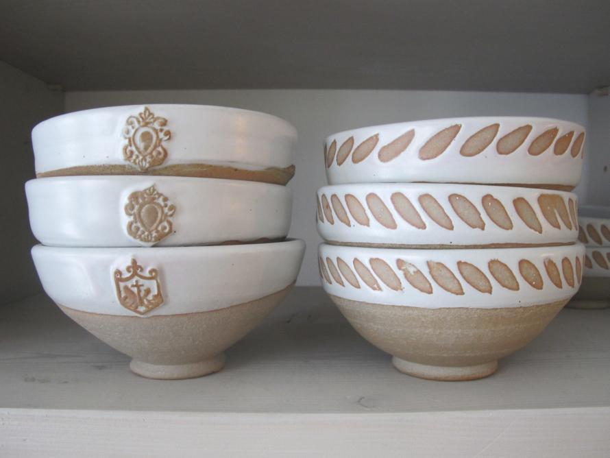 STONEWARE, greek pottery, greek ceramics, paros island, cyclades, crafts, craftsmen ,pottery, classic, greek, greece, islands, dinnerware, plates, stefani, yria, yria ceramics, monique mailloux, ramona ghika, Lefkes, greek islands ,